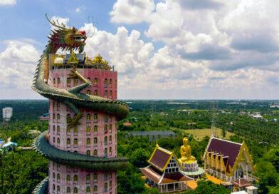 Thailandia: quando Topolino, Beckham o un drago gigante entrano nel tempio …